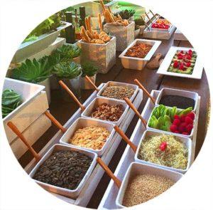 Salad bar buffet saludable boda vegana