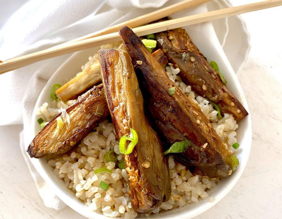 Berenjenas Teriyaki con arroz integral