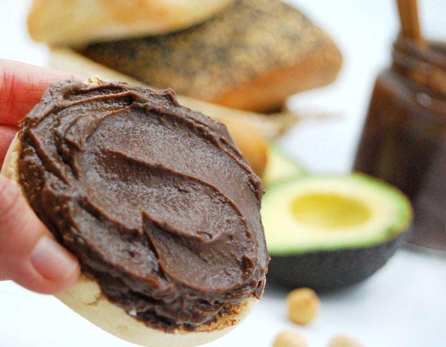 Receta crema de cacao con aguacate saludable